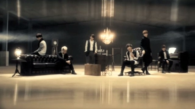 112012_ukiss_distance