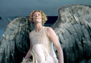 tilda-swinton-best-movie-looks-02_122037226428